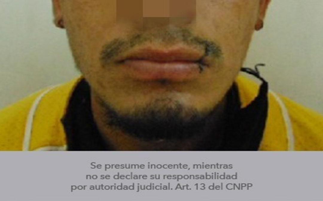 Agredía física y verbalmente a su madre y familiares con armas de fuego y armas blancas fue detenido
