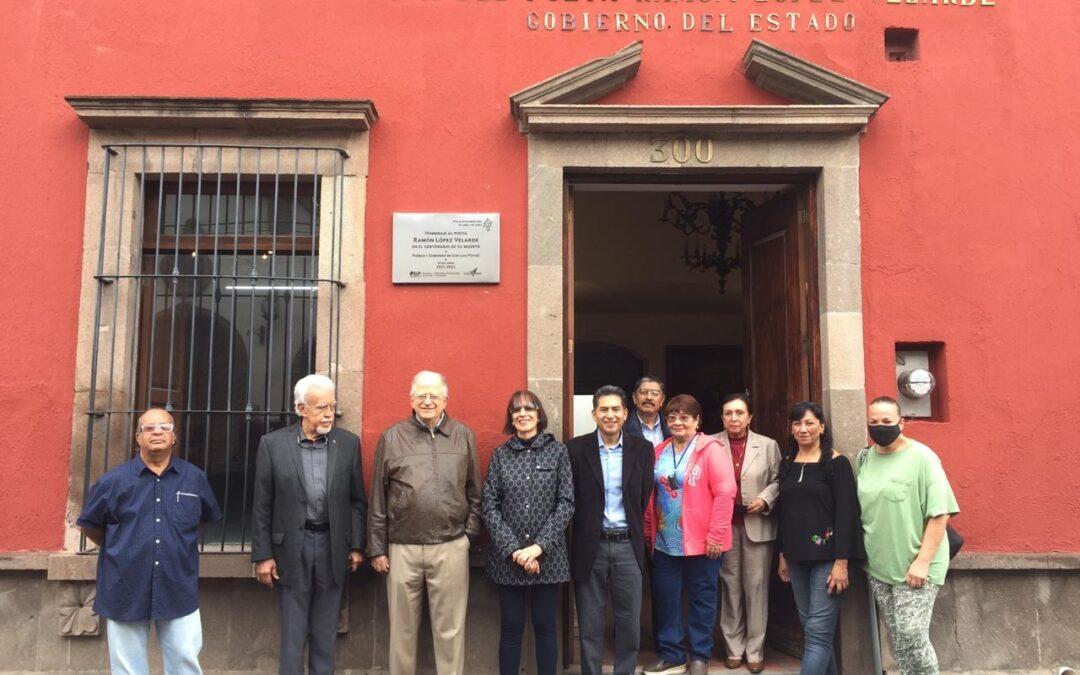 Develan placa conmemorativa por el centenario luctuoso de Ramón López Velarde